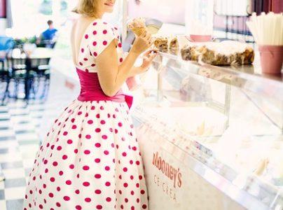 Quels modèles de robes conviennent le mieux aux femmes grandes tailles ?